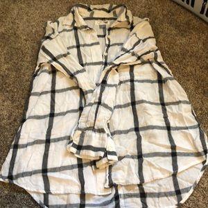 Old Navy White/Black plaid button down blouse
